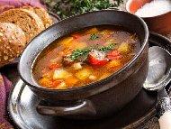 Супа с хапки от свинско месо, картофи и зеленчуци